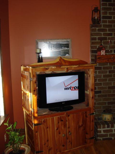 ECCC4D-Entertainment Center-Cedar Cabinet-4 Doors